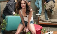 "The Green is back: ""Weeds"" Season 6 Premiere!"