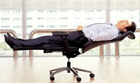 Lay Flat Office Chair Encourages Worktime Naps