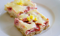 Yum Alert: Strawberry Lemon Cheesecake Squares
