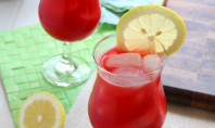 Yum Alert: Homemade Raspberry Lemonade