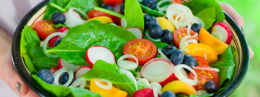 Yum Alert: Spinach, Blueberry & Apricot Salad
