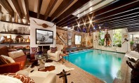 Real Estate Spotting: A Manhattan Townhouse with a Pool in the Living Room