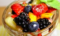 Yum Alert: White Balsamic & Mint Fruit Salad