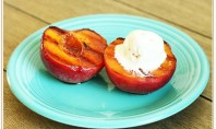 Yum Alert: Grilled Peach with Cinnamon Ice Cream