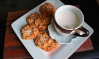 Yum Alert: Oatmeal Chocolate-Chip Coconut Cookies