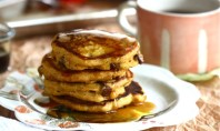 Yum Alert: Pumpkin Chocolate Chip Pancakes