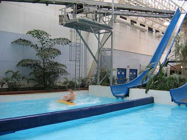 Travel Spotting Five Wondrous Indoor Waterparks The Luxury Spot