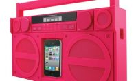 Travel Gear Spotting: HOT Pink Boombox 2Go