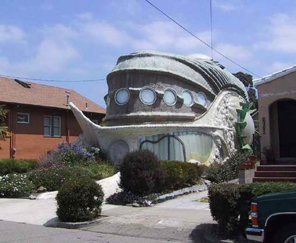 Decor Spotting Houses Shaped Like Saucers Bubbles And Rocks The