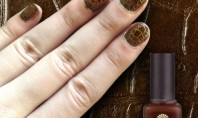 Beauty Spotting: CrocoFever Nails For Spring 2012