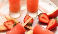 Yum Alert: Strawberry Peach Vodka Collins Popsicles