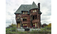 Travel Spotting: The Ruins of Detroit
