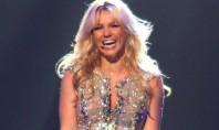 Britney is 30, flirty, and pretty damn fabulous