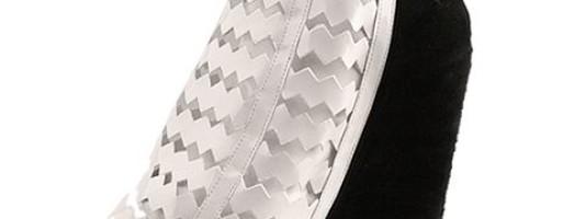 Shoe Spotting: Jeffrey Campbell Nokea