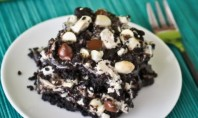 Yum Alert: Cookies & Cream Cookie Bars