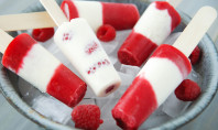 Yum Alert: Raspberry Cheesecake Popsicles