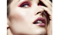 Beauty Spotting: Is Red Eyeshadow A Do or a Don't?