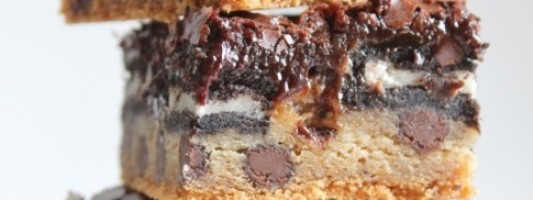 Yum Alert: Chocolate Chip Cookie Oreo Brownie Bar