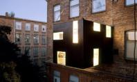 Apartment Spotting: Living On The Edge
