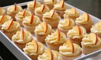 Yum Alert: Peach Cupcakes with Peach Cream Cheese Frosting