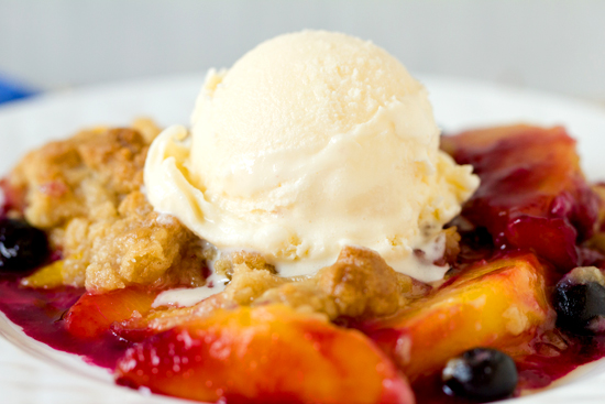 Peach and Blueberry Crumble RecipeThe Luxury Spot