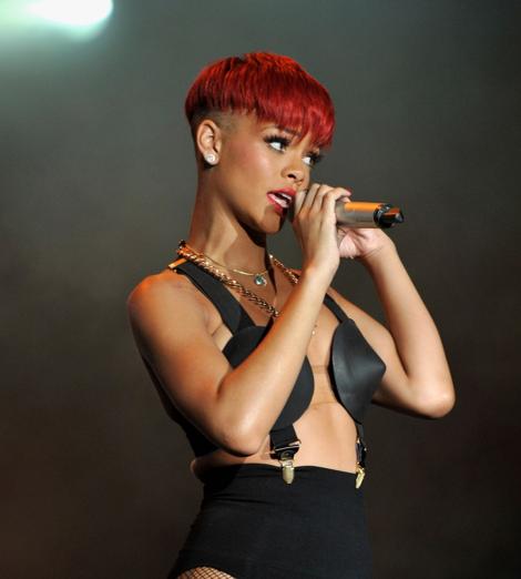 Rihanna's bad hairstylesThe Luxury Spot