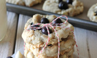 Yum Alert: White Chocolate Blueberry Oatmeal Cookies
