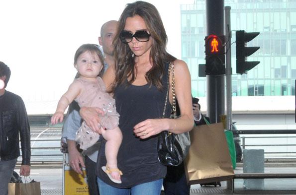 baby traveling victoria beckham