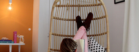 Awesome Spotting: A Hanging Chair For Your Living Room