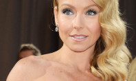 Get Kelly Ripa's Oscar Beauty from Elizabeth Arden