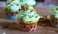 pistachio pudding cupcake