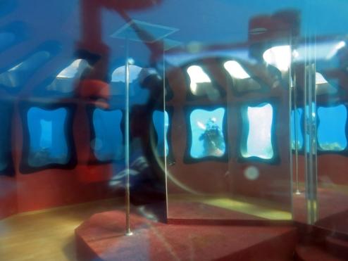 underwater strip club, israel
