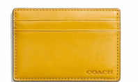 Why Do Women Need Huge Wallets?
