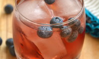 Yum Alert: Skinny Vodka and Sparkling Cranberry Pomegranate