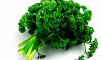 10 Reasons to Add Parsley to Your Diet