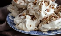 Yum Alert: Maple Cinnamon Meringues with Toasted Almonds
