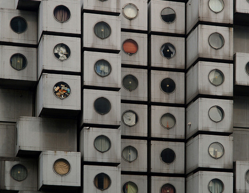 japanese capsule apartments