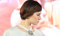 Daisy Ridley's Hair at Premiere of Star Wars: The Force Awakens