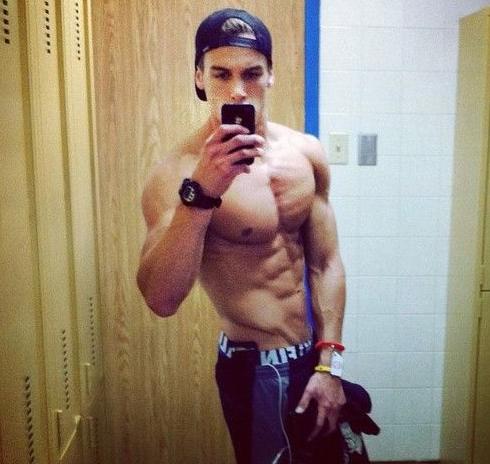 gym selfies