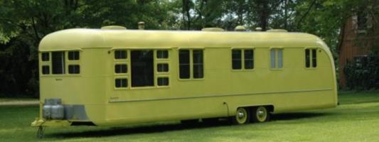 abandoned vintage camper