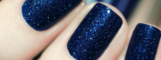 Navy Nail Polish is Everything for Summer