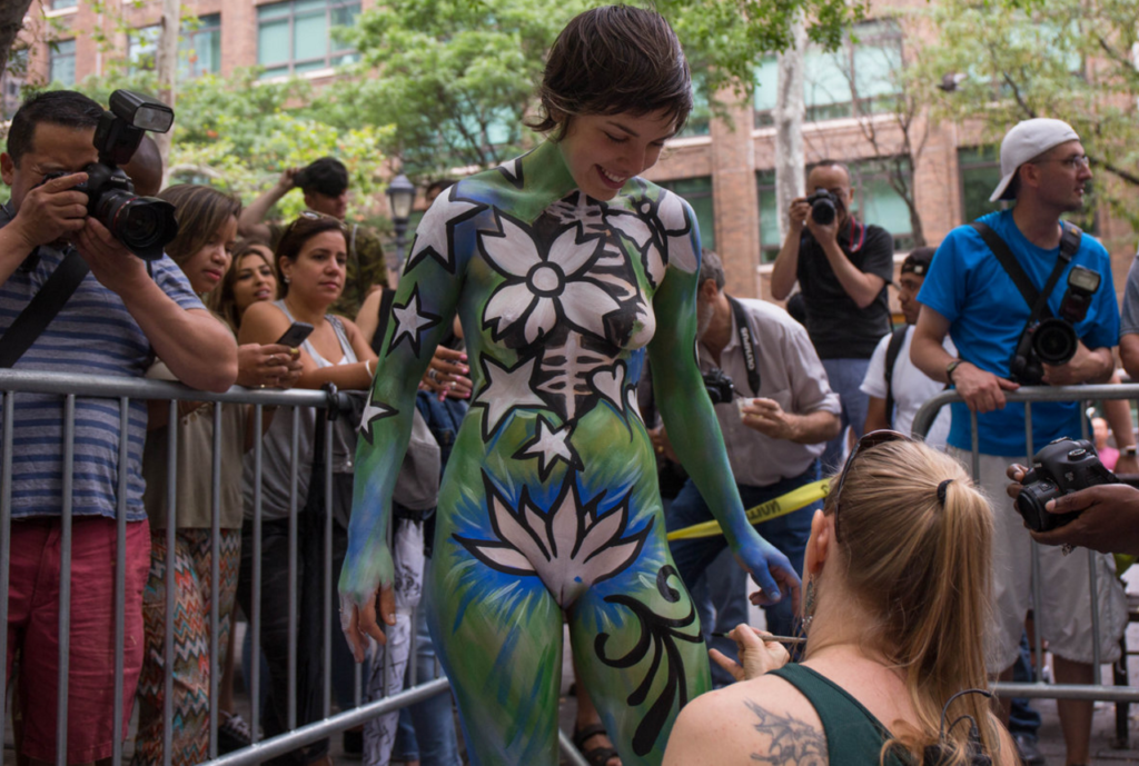 nude bodypainting
