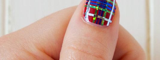 DIY Fraser Tartan Nail Art