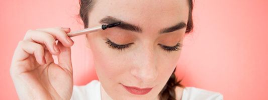 How to Fake Naturally Thick Brows