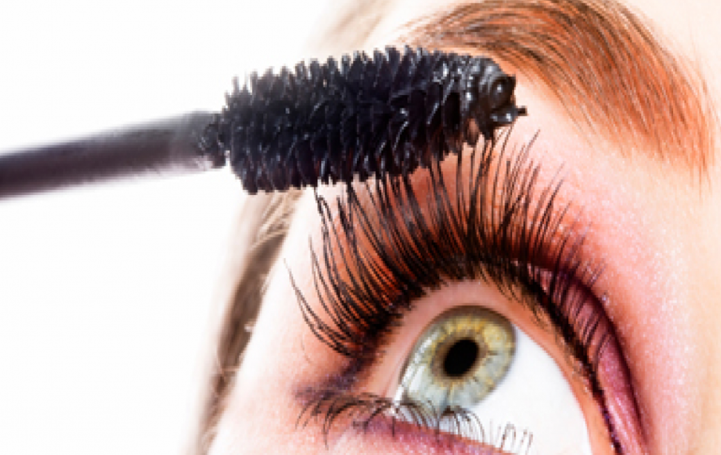 We Found the Best Mascaras for Sensitive Eyes | The Luxury Spot