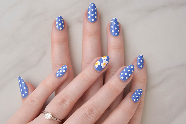 All together you get a pretty, dotty easy spring nail art masterpiece. And  you didn't even need to go to the salon! - DIY Easy Spring Nail Art The Luxury Spot