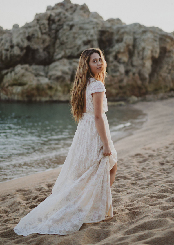 7 Earthy Wedding Dress Options Plus Accessories You Need | The ...