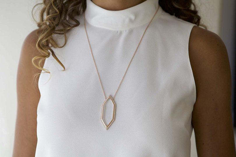 moderne monocle gold necklaces